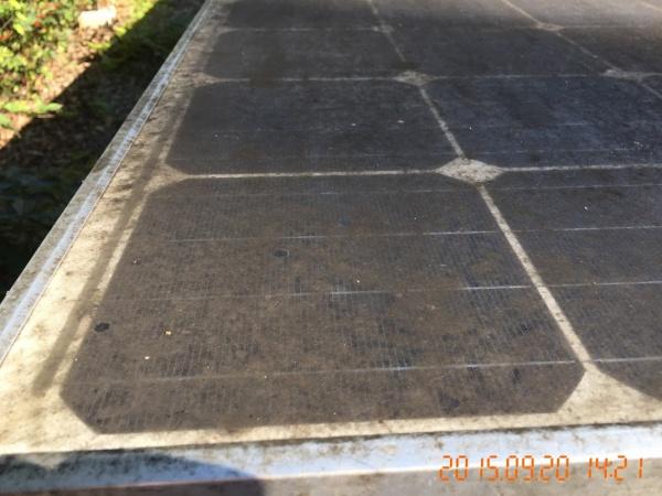 パネル洗浄も、確実に汚れを落としパネルに悪影響を与えず、ローコストに仕上げるには専門知識がなければできない