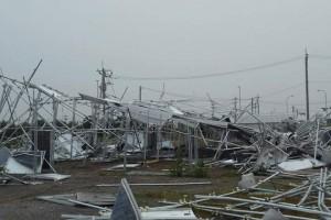 強風で吹き飛ばされた太陽光発電所